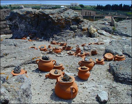 burial urns, sulis, sant'antioco, necropolis