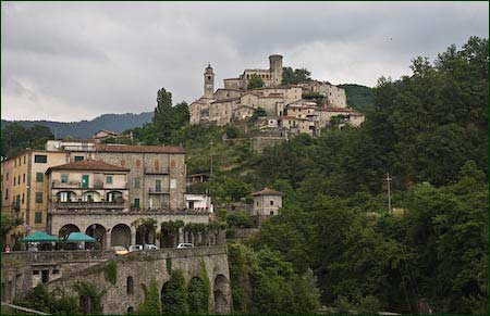 bagnone italy picture